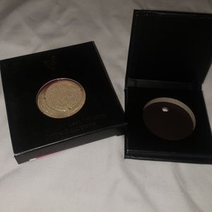Pressed shadow refillable single compact